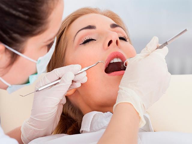 Причины рвотного рефлекса при лечении в стоматологии