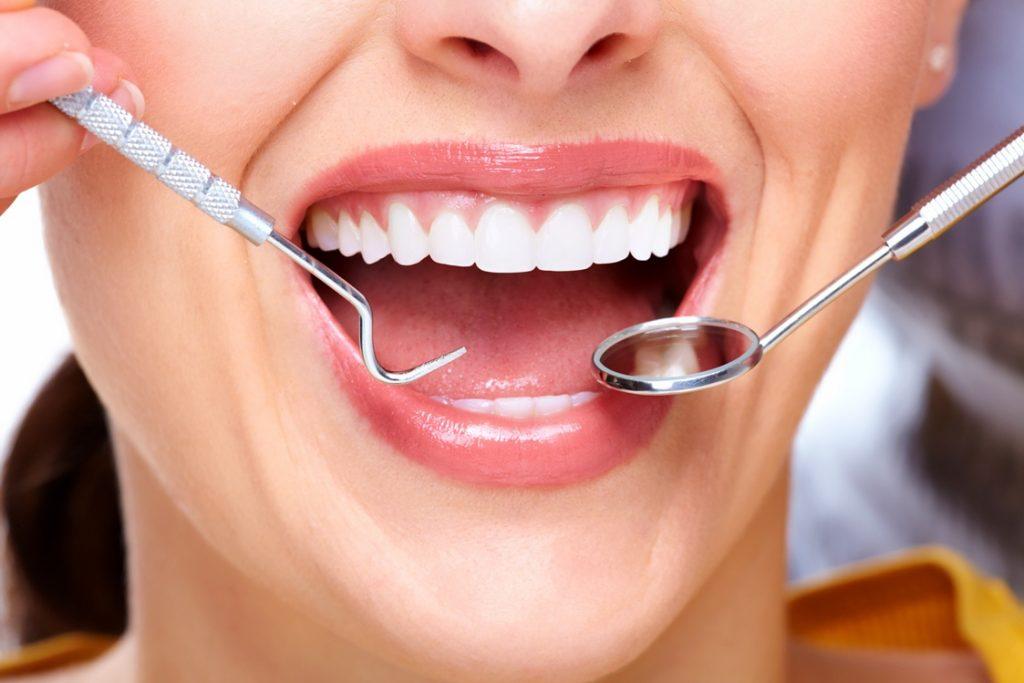 Лечение пародонтоза у взрослых в стоматологических клиниках «ТАВИ» и «Вероника»